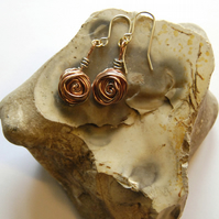 Cinnamon Swirl Rose earrings