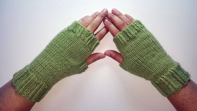 Green Cozy Wool Mittens