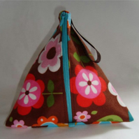 Knitting Pouch- Pyramid Style- Flower Power Love