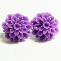 Chrysanthemum Stud Earrings - Flower Power!