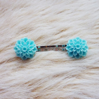 Chrysanthemum hair slides - Flower Girls