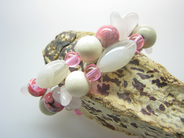 Handmade Rose Quartz Memory Wire Bracelet - Contemporary Jewellery - DISCOUNT!