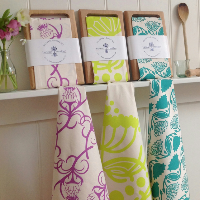 Kitchen Garden Tea Towel & Oak Board Set