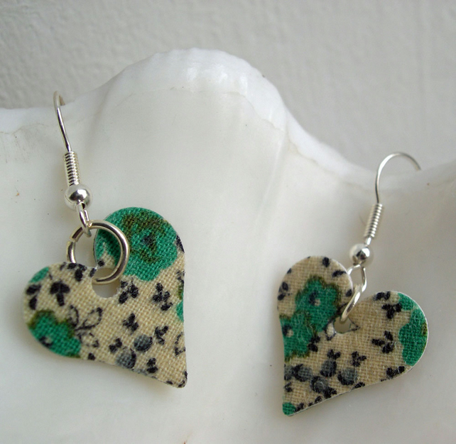 Hardened Ditsy Floral Heart Earrings in Green