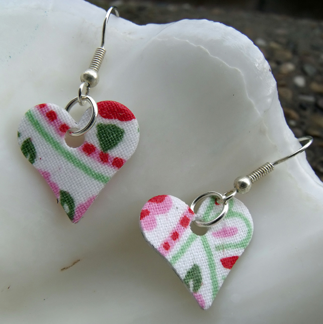 Hardened paisely Floral Heart Earrings in Cream