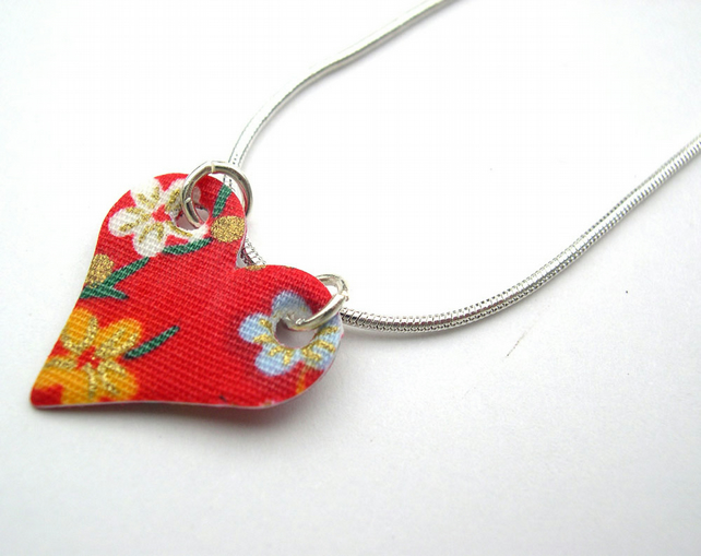 Hardened Fabric Chinese Floral Small Heart Necklace in Red