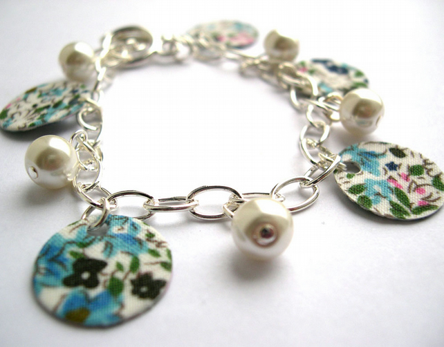 Hardened Fabric Blue Floral Ditsy Print Charm Bracelet with Faux Pearls