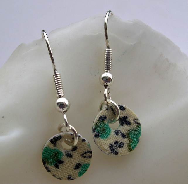 Hardened Ditsy Floral Small Disc Earrings in Green