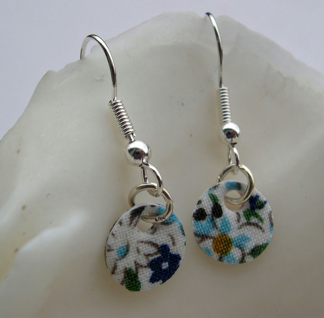 Hardened Ditsy Floral Small Disc Earrings in Blue