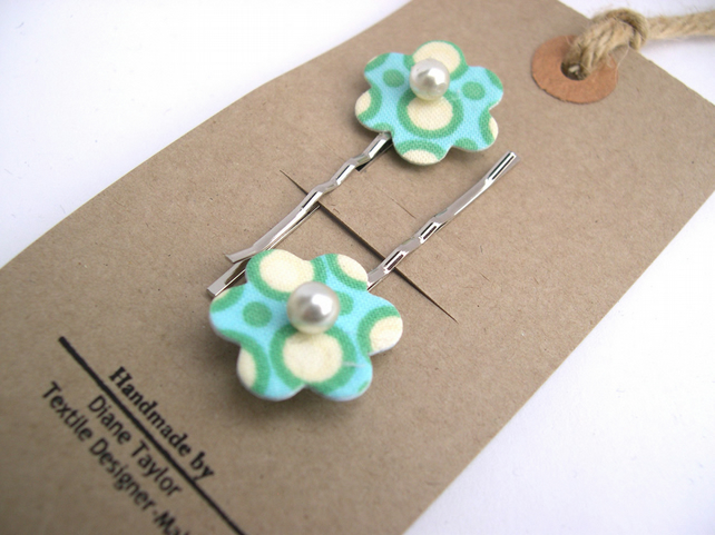 Hardened  Fabric Flower Hairclip