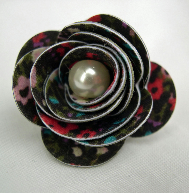 Hardened Fabric Ditsy Floral Rose Brooch