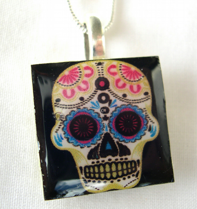 Day of the Dead Gift Silver Plated Ceramic Tile Skull Resin Pendant Gift