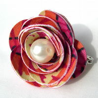 Hardened Fabric Ditsy Floral Pink Rose Brooch