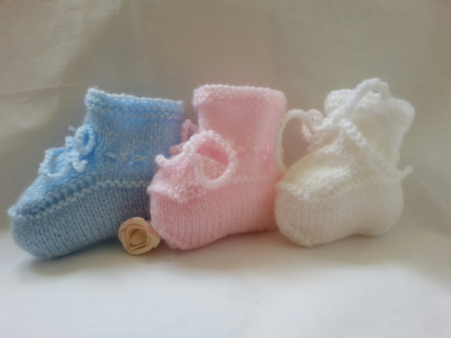 Baby Booties Hand Knitted White Pink or Blue Newborn to 0 to 6 Months Girl Boy