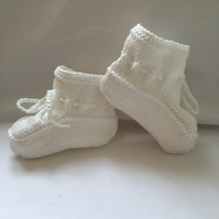 Hand Knitted White Cotton Baby Booties 0 to 3 Months Unisex Stay on feet