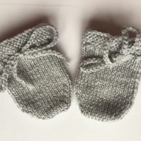 Hand Knitted Newborn Baby Scratch Mitts Mittens Light Grey Practical