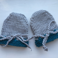 Knitted Cotton Scratch Mittens Light Grey and Blue 0 to 3 months Unisex
