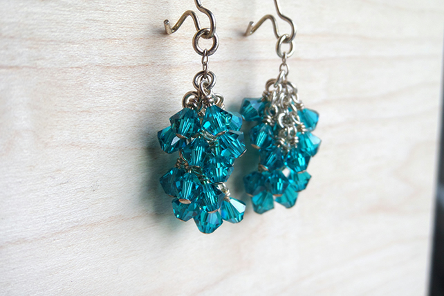 Green turquoise drop beaded earrings