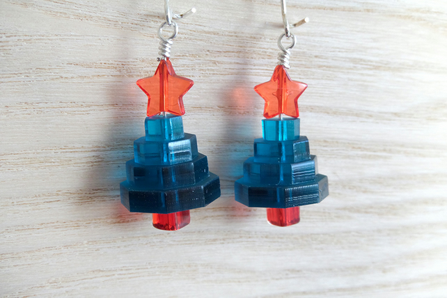 Super cute laser cut Christmas tree earrings