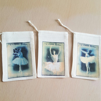 Happy Mail Muslin Gift Bags Ballerinas x 3