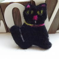 Needle felted Black Cat Brooch