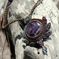 Fairy boho macrame necklace with amethyst