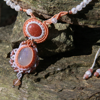 Macrame necklace with moonstone and sun stone