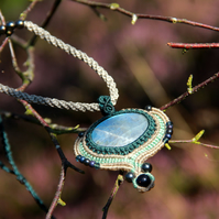 Necklace with rainbow labradorite