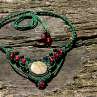 Green choker with jasper