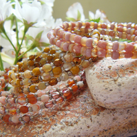 HONEYED PEACH  three honey, peach and cream toned memory wire stacking bangles