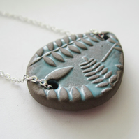"EARTHY BLUE CERAMIC LEAF PRINT 16-18"" fine silverplated chain necklace"