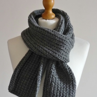 Men hand knit scarf - Charcoal grey scarf - Guys winter neck scarf