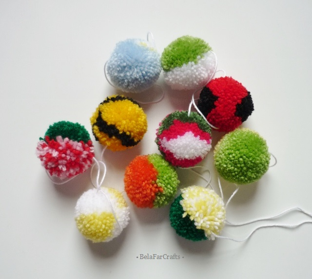 Pom poms garland - Flower colours bunting - Nursery decor - Photo props garland