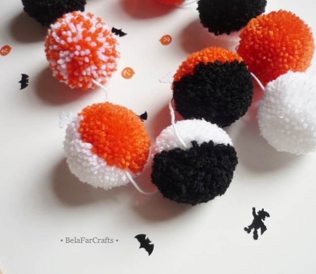 Halloween colours garland - 'Trick or treat' party - Yarn pom poms bunting