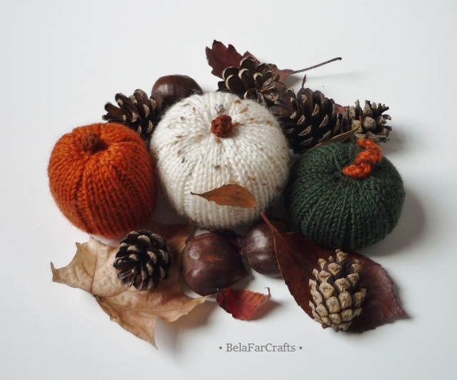 Harvest theme decorations - Autumn pumpkins - Thanksgiving dinner