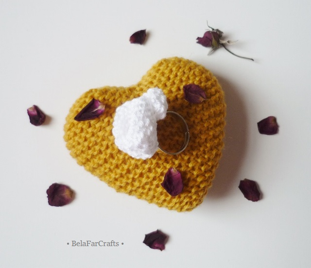 OFFER - Adjustable ring with cotton flower - Knitted textile accessories