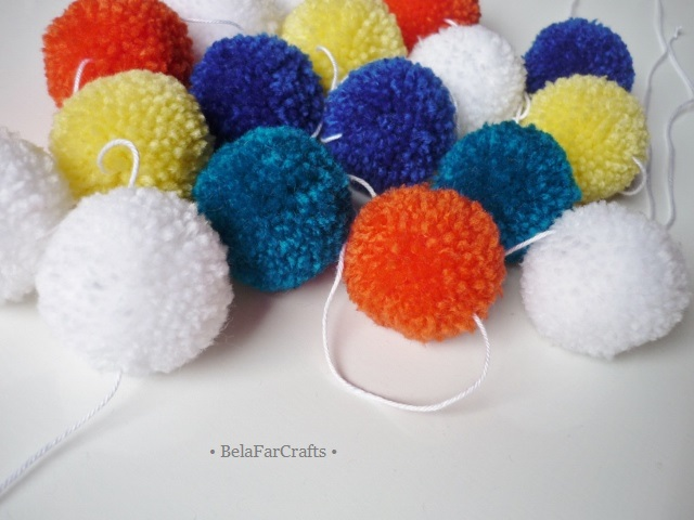 Pom poms garland - Baby room decor - Kids' party bunting