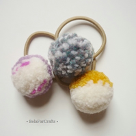 Pom pom hair bands (3) - Ponytail holders - Hair accessories - Party favours