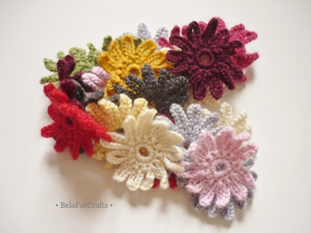 Crochet flowers garland - Wall hanging ornament - Housewarming gift