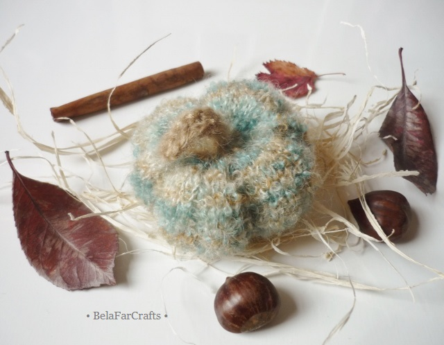 Harvest pumpkin - Gold Christmas theme - Knitted fuzzy gourd