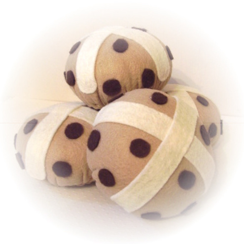 BEAUTIFUL HAND SEWN HOT CROSS BUN FELT CAKE EASTER CAKES PINCUSHION