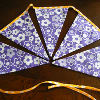 Bunting purple flower and flower trim 5 flags