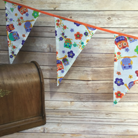 Owl bunting with purple backs