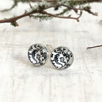 Sterling Silver Stud Earrings with Black & White Floral Pattern - Flower Earring