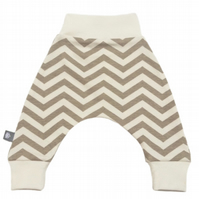ORGANIC Baby HAREM PANTS Relaxed Beige CHEVRON Trousers A GIFT IDEA by BellaOski