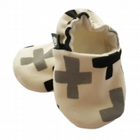 ORGANIC SWISS CROSS Kids Slippers Pram Shoes NEW BABY GIFT IDEA 0-9Y