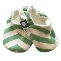 ORGANIC Birch SKINNY CHEVRONS POOL Kids Slippers Pram Shoes BABY GIFT IDEA 0-9Y