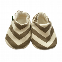 ORGANIC Birch SKINNY CHEVRONS BEIGE Kids Slippers Pram Shoes BABY GIFT IDEA 0-9Y