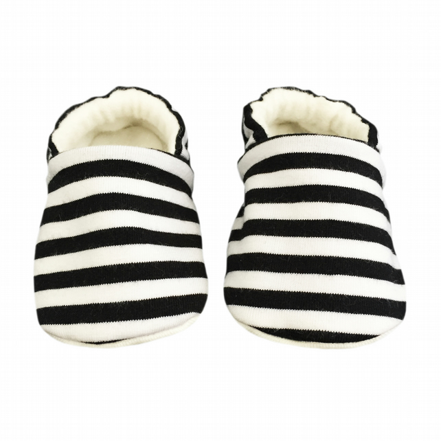 Baby Shoes Black & White STRIPED Slippers Pram Shoes - A BABY GIFT IDEA 0-18M