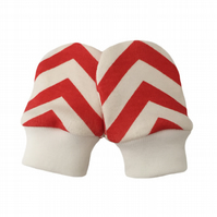 ORGANIC Baby SCRATCH MITTENS in RED SKINNY CHEVRONS  A New Baby Gift Idea